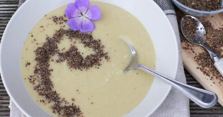 Šilkinė lęšių, žirnių ir cukinijos sriuba