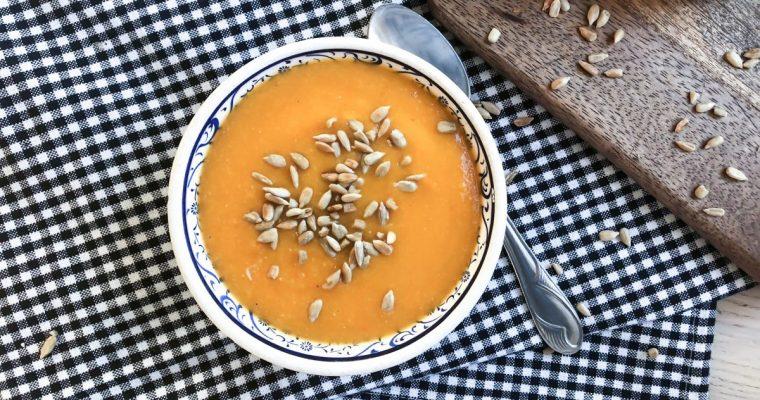 Morkų ir raudonųjų lęšių sriuba su apelsinais